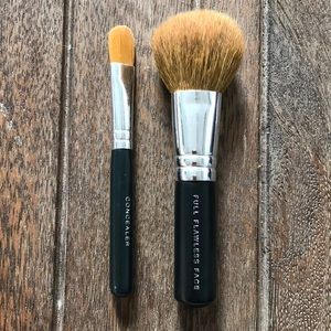 BareMinerals Concealer and Full Face Brushes
